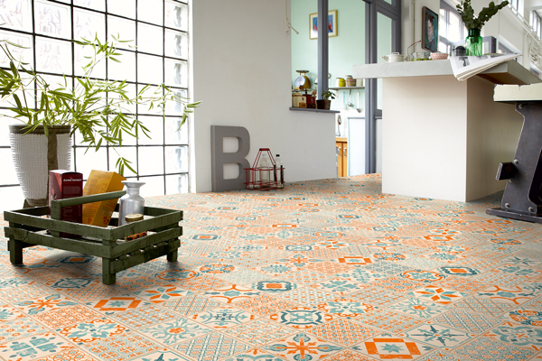 star floor click orange mönstrat vinylgolv kök
