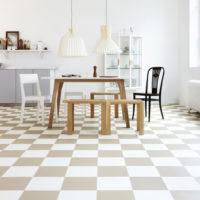 kök rutigt golv